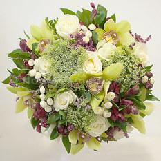 Букет Б121 с розами и орхидеями