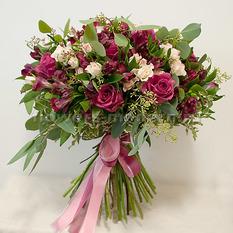 Букет Б136 с розами и альстромериями