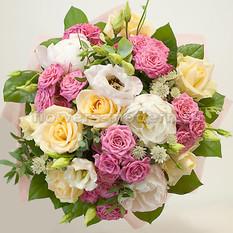 Букет Б165 с розами и пионами