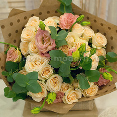 Букет Б305 из роз и эустом