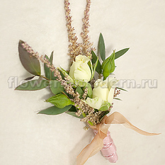 Бутоньерка С041 из кустовой розы